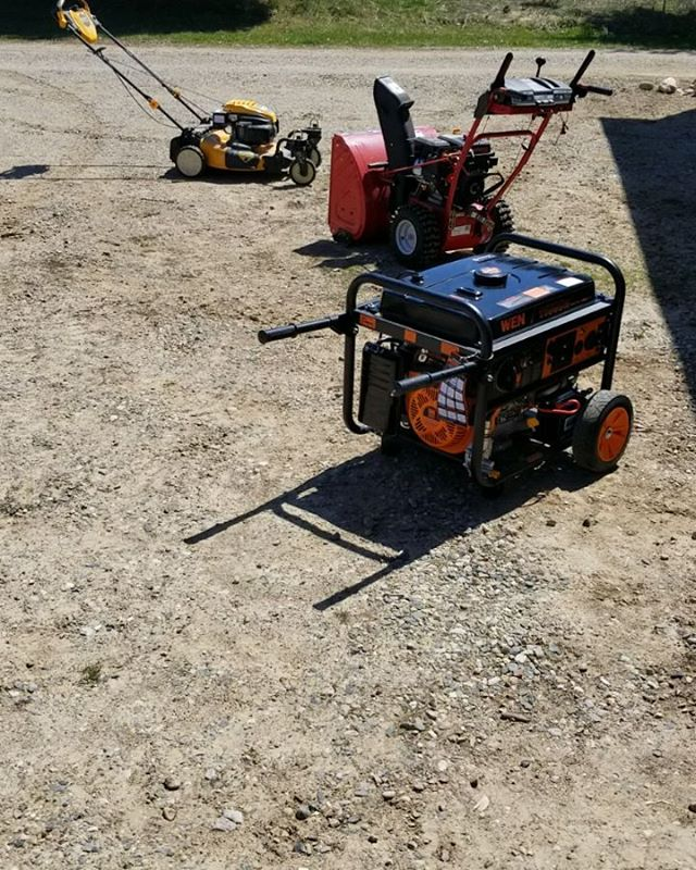 After listening to Jody on WT&T, they talked about small engine maintenance.  They say don't let them sit without running...#diy #smallengine #smallenginemaintenance