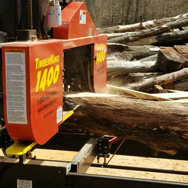 Taking off the side to get to the good stuff....#sawmill #woodworking #timberking #diy #wood