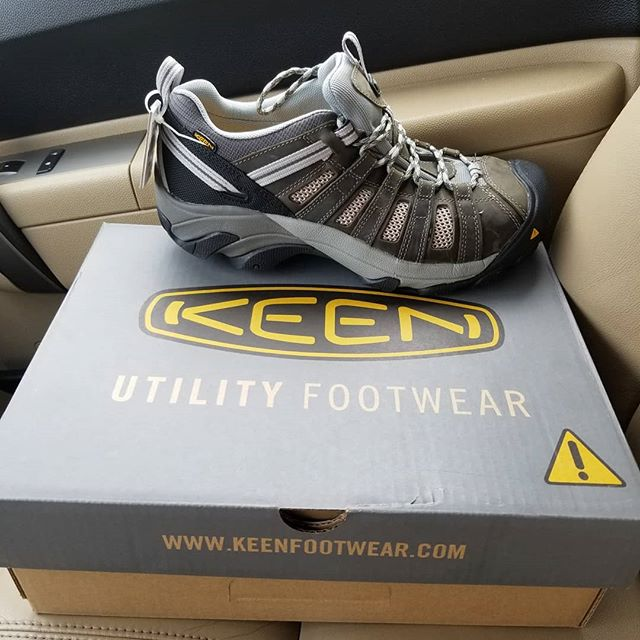 Shop shoes for the summer.  My last pair of boots are a few years old and started leaking....#keenutility #steeltoe #keenfootwear #keen